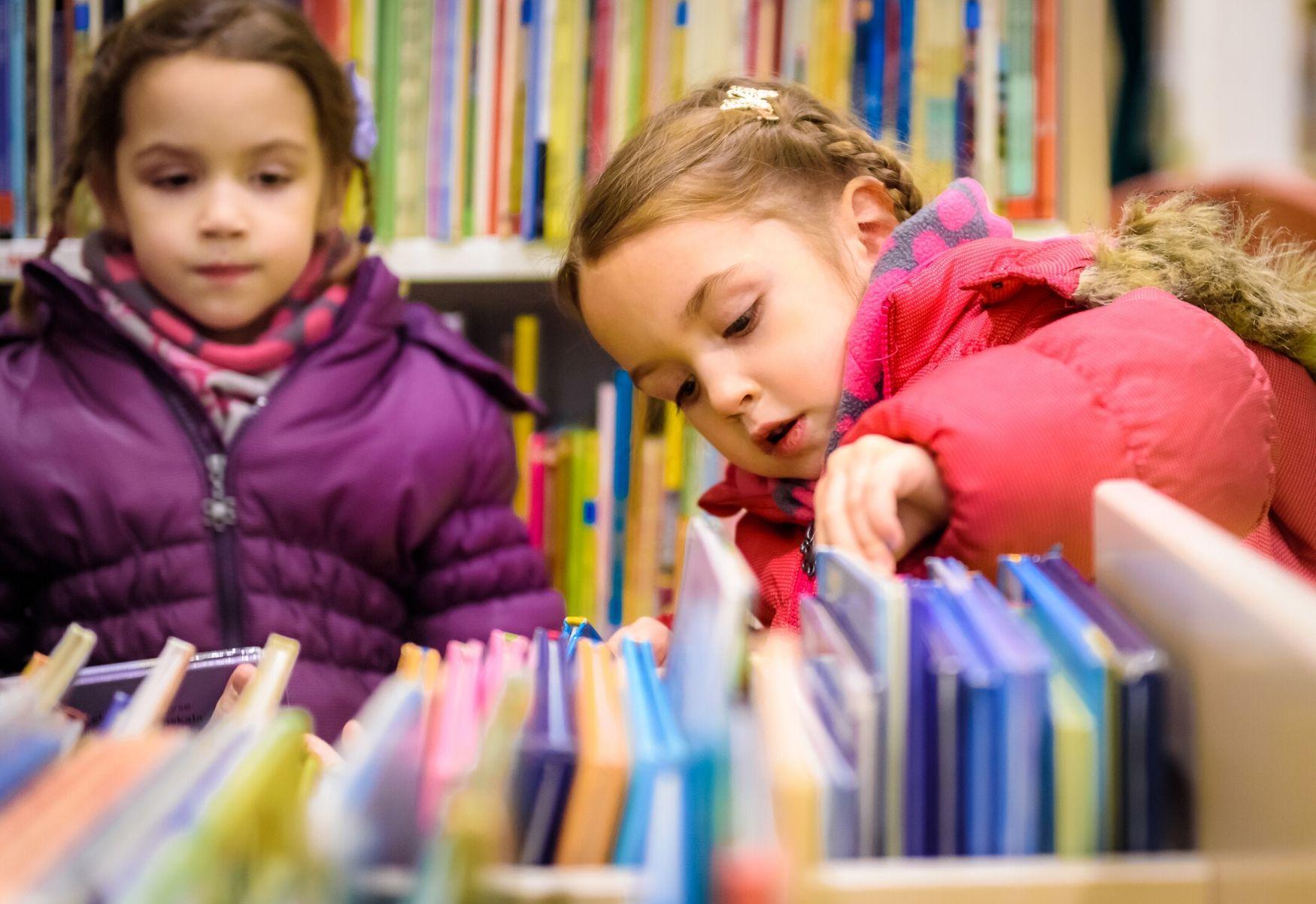bimbe in libreria